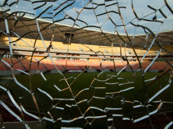 Cranford - Arena da Amazônia-cracked